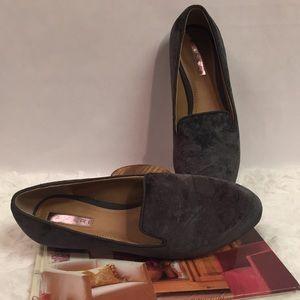 73ac4f7e3aa Tahari Shoes - TAHARI Women s Gray Slate Frankie Velvet